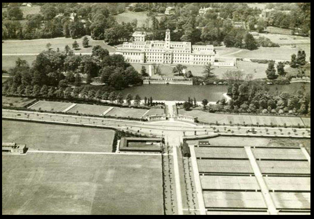 Aerial view of new playing fields and new university boulevard in 1930.